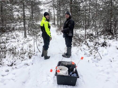 Talvine jalgsimatk metsas koos kalapüügiga jääl