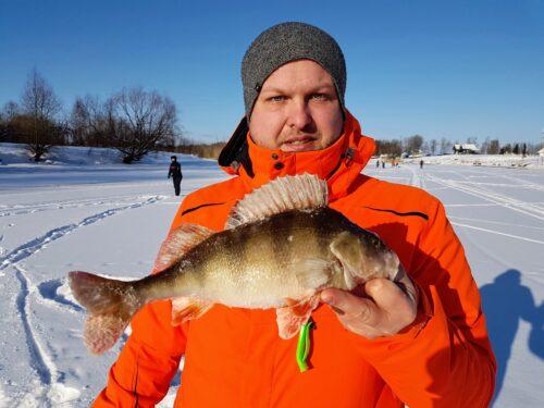 Kalapüügivõistlus jääl